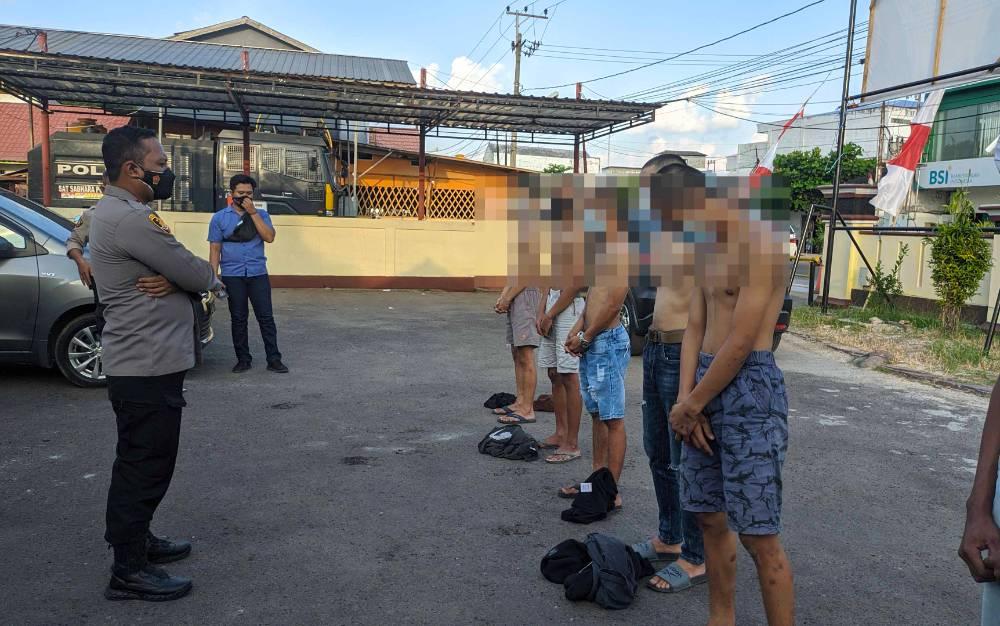 Sejumlah anak di bawah umur diamankan Polsek Ketapang terkait kasus pengeroyokan terhadap seorang satpam di Sampit.