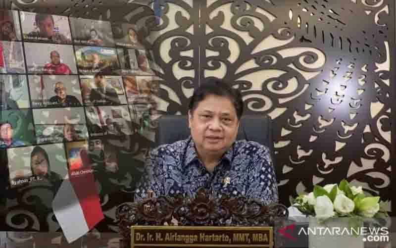 Menteri Koordinator Bidang Perekonomian Airlangga Hartarto saat menyampaikan keynote speech dalam webinar, Jumat (20/8/2021)