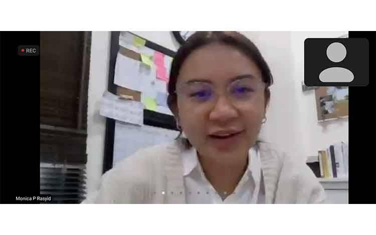 CEO Klinik Bisnis, Monica Putri Rasyid menyampaikan sambutannya pada penutupan Kelas Klinik Bisnis.