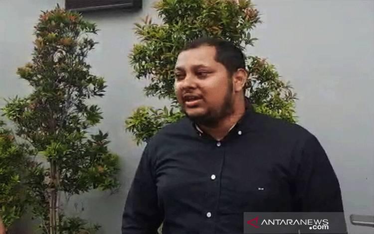 Kuasa hukum Nicholas Sean Purnama, Ahmad Ramzy berikan keterangan kepada wartawan di Polda Metro Jaya, Jakarta, Selasa (31/8/2021). ANTARA/Fianda Sjofjan Rassat/am.