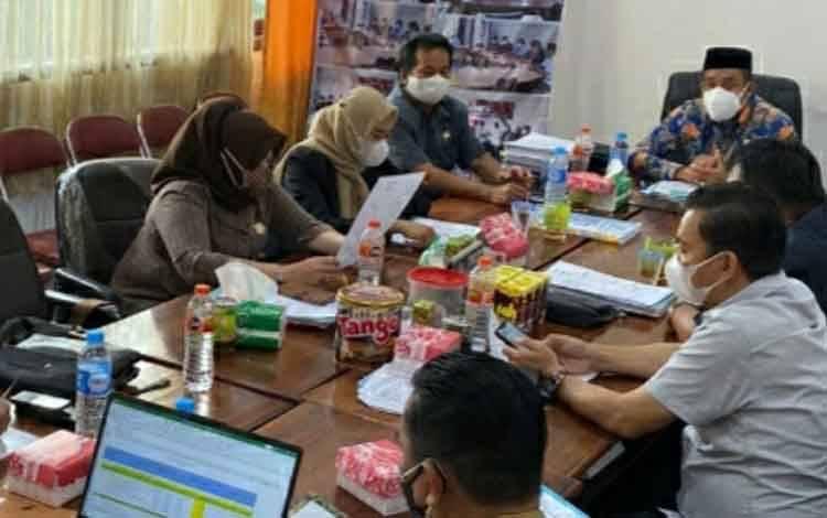 Jajaran Komisi I DPRD Kapuas saat akan rapat bersama SOPD mitra kerja pada Selasa 7 September 2021