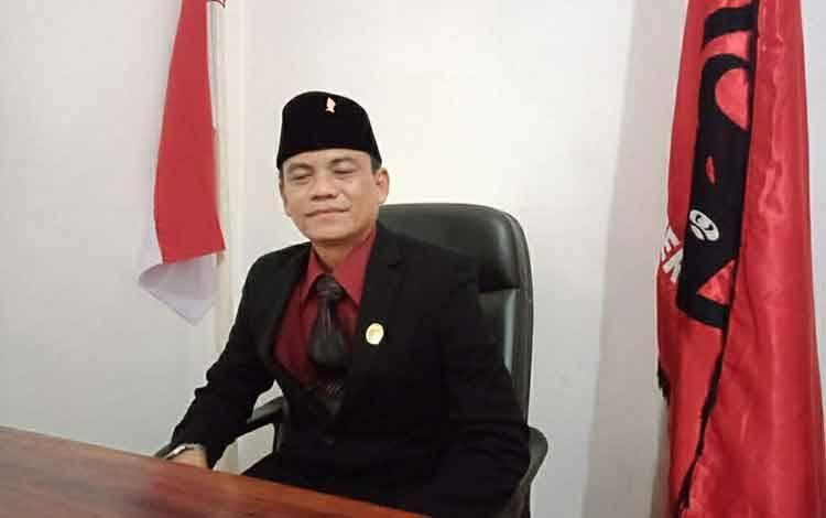 Anggota DPRD Kapuas, Franco B Dehen