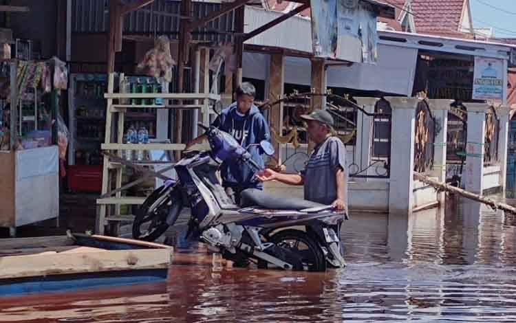 Banjir yang melanda sejumlah kabupaten kota di Kalteng, salah satunya kawasan Arut, Palangka Raya.
