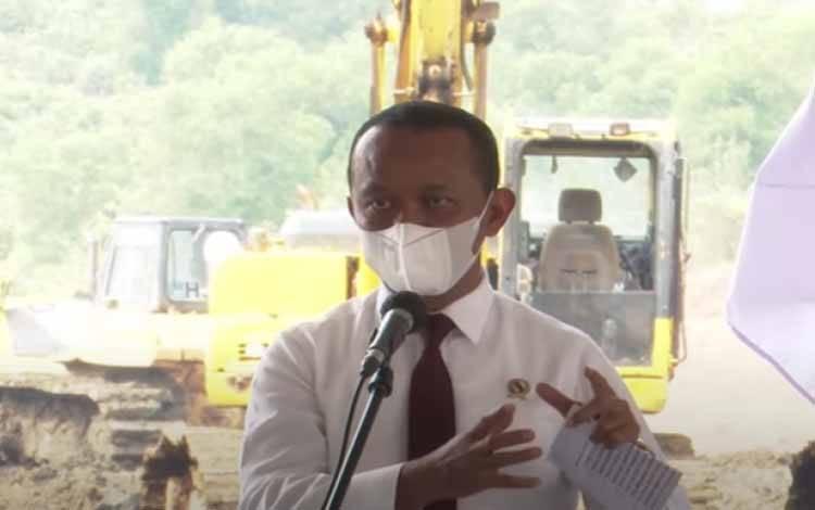 Menteri Investasi/Kepala BKPM Bahlil Lahadalia dalam Groundbreaking Ceremony Hyundai Motor Group dan LG Energy Solution di Karawang, Jawa Barat, Rabu (15/9/2021)