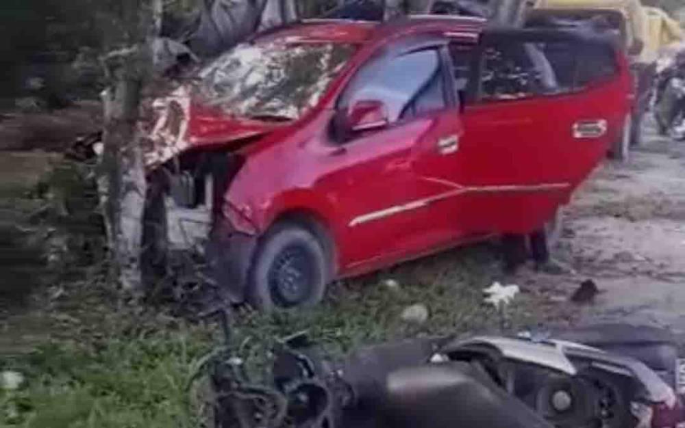 Kecelakaan di Jalan Utama Pasir Panjang, Pangkalan Bun, Kabupaten Kobar yang melibatkan 1 mobil dan 2 motor, Jumat, 24 September 2021.