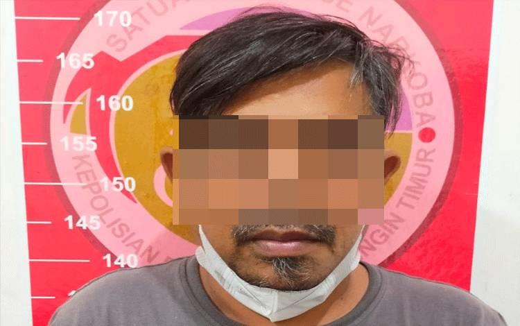 Pria yang ditangkap polisi karena bawa sabu.