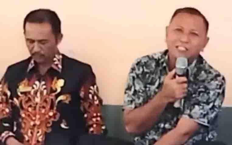 Wakil Ketua DPRD Kotawaringin Timur, H Rudianur (pegang mic).