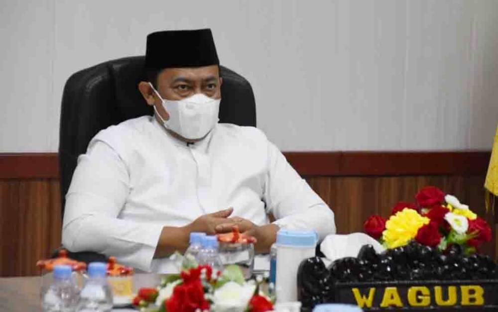 Wakil Gubernur Kalimantan Tengah, Edy Pratowo menghadiri dzikir bersama secara virtual dari ruang kerjanya, Selasa malam, 28 September 2021.