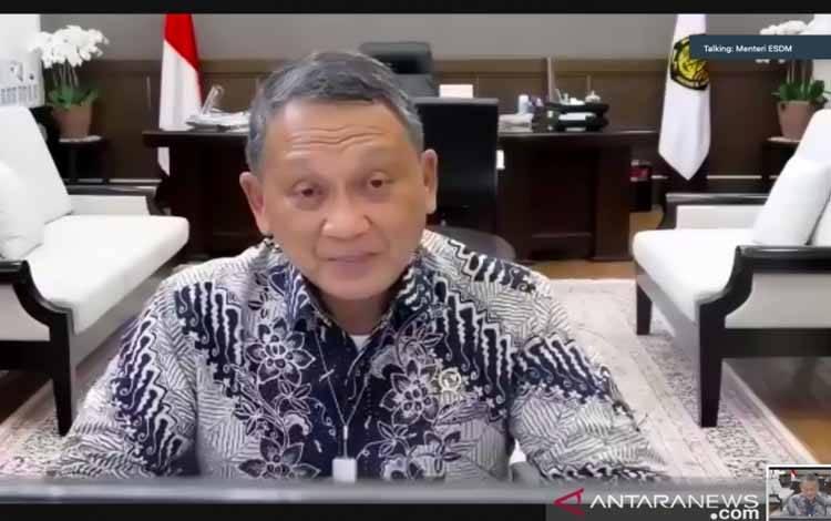 Menteri ESDM Arifin Tasrif dalam rapat kerja nasional penanganan pertambangan tanpa izin yang dipantau secara daring di Jakarta, Rabu (13/10/2021)