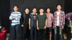 ALBUM PERDANA : Grup band lokal Banjarmasin, Dead Bunny, mengeluarkan album perdana bertajuk Redemption. Setelah mengeluarkan album perdana, Dead Bunny bertekad masuk ke pasar musik ITunes Internasional.
