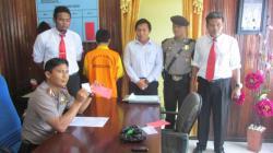 PENGUNGKAPAN NARKOBA : Kapolres Gunung Mas AKBP Nurhandono memperlihatkan barang bukti narkoba jenis sabu dengan berat 33,6 gram, yang diamankan dari tersangka HMP.
