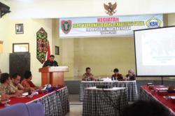 RAPAT KOORDINASI: Kepala Dinas Sosial Kalimantan Tengah Guntur Talajan menyampaikan sambutan pada Rapat Koordinasi Bidang Rehabilitasi Sosial, Rabu (4/3) kemarin.