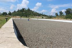 SANITARY LANDFILL: TPA dengan sanitary landfill yang belum difungsikan, di TPA Jalan Trans Kalimantan km 9 Nanga Bulik.