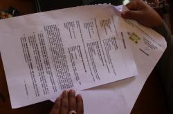 KESEPAKATAN DAMAI: Surat kesepakatan damai Pasutri JI dan ALH setelah penusukan oleh sang istri gara-gara memergoki suaminya tidur dengan wanita lain di Cafe Alang-Alang, Senin (23/3) lalu.