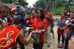 KUNJUNGAN DMO : Kedatangan tim Destination Management Organization (DMO) Tanjung Puting ke Kecamatan Delang, Kamis (26/3). Delang merasa semakin bersemangat mengembangkan potensi pariwisatannya dengan kunjungan itu.