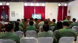 VIDEO CONFERENCE: Suasana video conference Musyawarah Perencanaan Pembangunan (Musrenbang) Kalteng dari Nanga Bulik. Dalam kesempatan ini, Wakil Bupati Lamandau, Sugiyarto mendukung program pembangunan jaringan kereta api.
