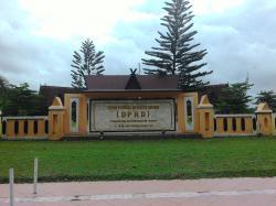 Gedung DPRD Kotawaringin Barat (Kobar), Kamis (9/4/2015). BORNEONEWS/RADEN ARYO