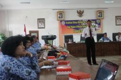 SOSIALISASI : Badan Narkotika Nasional Provinsi (BNNP) Kalimantan Tengah menggelar sosialisasi Bahaya Narkoba dan Obat Terlarang bagi Pejabat di Wilayah Pemerintah Daerah Kabupaten Barito Timur, Jumat (17/4).