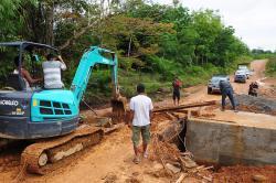 AKSES PENGHUBUNG : Aspirasi masyarakat akan perbaikan akses jalan di daerah hulu menjadi dominasi hasil reses anggota DPRD Kabupaten Seruyan. Masih banyak jalan yang harus mendapat perbaikan.