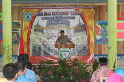 """BERI SAMBUTAN: Bupati Lamandau, Marukan memberikan sambutan sebelum membuka Pekan Raya Ramadan """"Ceria"""" II di Nanga Bulik, Kamis (2/7/2015). Event ini akan berlangsung sampai dengan 7 Juli 2015."""