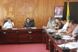 RAPAT: Pemkot Palangka Raya rapat bahas permasalahan pemilu gubernur, Kamis (2/7/2015).