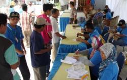SEMBAKo mURAH: Pelindo menggelar pasar murah di Pelabuhan Kumai, Pangkalan Bun.