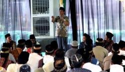 BUKA PUASA: HAJI ABDUL RASYID bersilaturahmi dengan para pengurus RT/RW Kota Pangkalan Bun.