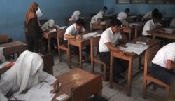 SISWA SMP: Siswa SMP di Pontianak tak lama lagi akan menjalani sekolah lima hari dalam sepekan. Kebijakan ini adalah untuk membuat waktu istirahat dan bermain para siswa lebih banyak lagi.