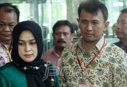 Gubernur Sumatera Utara Gatot Pujo Nugroho dan istrinya, Evi Susanti ditetapkan sebagai tersangka pemberi suap