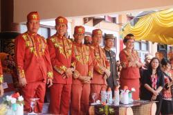 HUT BARTIM : Ketua DPRD Barito Timur Broelalano menghadiri peringatan HUT ke-13 Bartim di halaman kantor bupati setempat, Senin (3/8/2015). Broelalano menilai, program pembangunan dapat dikatakan sukses apabila menyentuh kepentingan masyarakat.