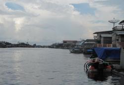 AIR ASIN: Suasana di sekitar sungai Jelai, kemarin. kemarau kondisi air Sungai Jelai yang berdekatan dengan muara sungai sudah mulai tercampur dengan air laut.