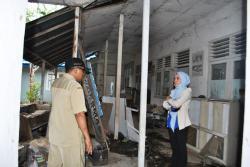 PUSKESMAS : Pegawai UPT Puskesmas Mataraman menunjukkan kondisi puskesmas.