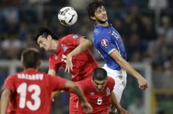 BATU SANDUNGAN : Azerbaijan yang sudah tidak lagi memiliki harapan lolos ke Euro 2016 akan menjamu Italia di Tofiq Behmarov Adina Respublika Stadion, Baku, Sabtu (10/10) pukul 23.00 WIB. Walau tak punya harapan lolos, Azerbaijan masih bisa menjadi batu sandungan Gli Azzuri.
