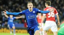 SELEBRASI : Striker Leicester City Jamie Vardy melakukan selebrasi seusai membobol gawang Manchester United yang dijaga Davie de Gea pada matchday 14 Liga Primer Inggris di King Power Stadium, Minggu (29/11/2015) dini hari.
