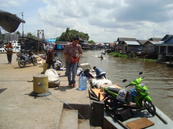 Limbah Sawit Diduga Cemari Sungai Paminggir