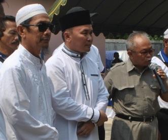 Cagub Kalteng Sugianto Sabran (tengah) siap menghadapi jika pasangan Wibawa mengajukan gugatan ke MK