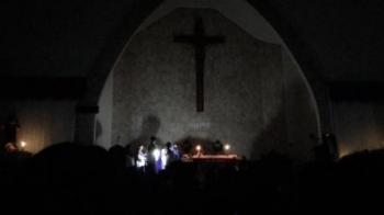 Mati listrik: Saat perayaan Misa Rabu Abu di Kathdral Santa Maria Palangka Raya. (foto: testi)