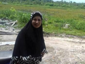 Ani Kartini, pemilik Inova Hitam yang ditemukan di hutan. (foto: uriutu)
