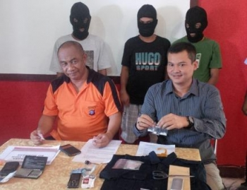 Para Bandar Sabu yang ditangkap beberapa hari sebelumnya di Jalan Maduhara, jalan Danau Rangas III dan Jalan Cempaka . Mereka ditangkap oleh petugas secara berurutan beberapa waktu sebelumnya.