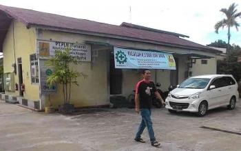 Warga Buntok, Kabupaten Barito Selatan mengeluh karena PLN Rayon Buntok sering melakukan pemadaman listrik mendadak. BORNEONEWS/LAILY