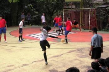 OLAHRAGA SISWA : Pertandingan salah satu cabang olahraga yang diikuti siswa sekolah. Sementara itu di Sukamara, dilaksanakan kegiatan Gelar Prestasi Siswa SMK yang memperlombakan berbagai cabor dan seni.