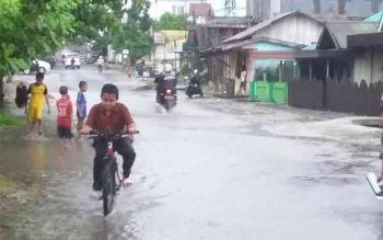 Drainase Buruk Biang Banjir, Kelurahan Mendawai Terendam