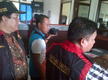 Kembangkan Kasus Pungli Prona, Kejari Nanga Bulik Geledah Kantor BPN