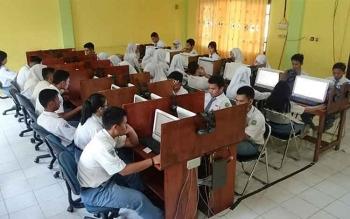 Wakil Bupati Kotim Sarankan Sekolah Bujuk Siswa Ikut UN