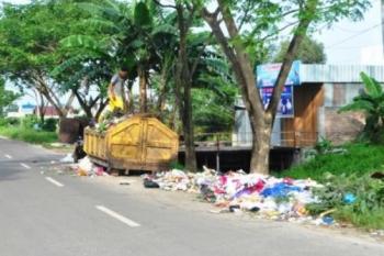 Petugas Kebersihan Di Seruyan  Kewalahan Tangani Sampah