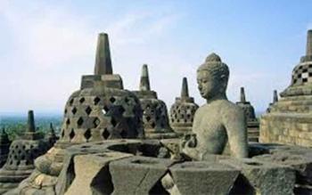 Candi Borobudur. TRIPTRUS