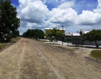 Pemkab Sukamara Lanjutkan Pemasangan Tiang Listrik di Pantai Lunci
