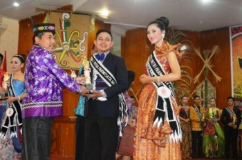 Kecamatan Uut Murung Juara Umum Festival Budaya TTB