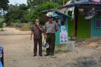 Wakil Bupati (Wabup), Darmaji saat berkunjung ke Kecamatan Laung Tuhup, beberapa waktu lalu. BORNEONEWS/SUPRI ADI
