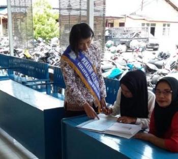 Pelayanan SIM Satlantas Jadikan Polwan Sebagai 'Pagar Ayu'